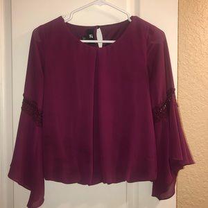 Iz byer cute maroon blouse